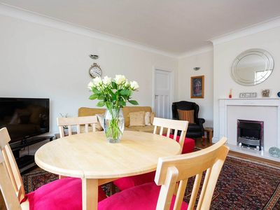 Photo for Cosy 2 bed flat in Belsize Park - 1 minute from the tube station! (Veeve)