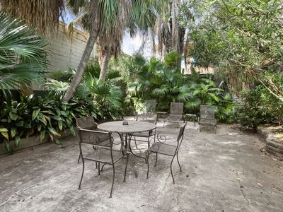 Photo for Sleeps 12,  THREE  BLOCKS TO BOURBON ST. AND FRENCH QUARTER ATTRACTIONS.