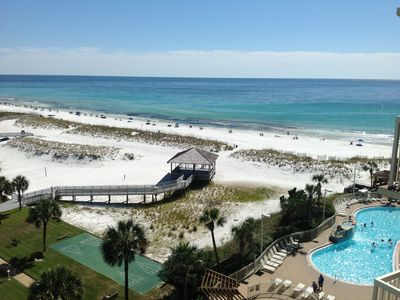 Photo for Fabulous condo! Direct Beachfront. Premium rated. #817 Pelican Beach Resort