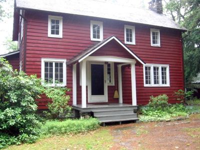 Photo for Charming Secluded Craftsman Mountain Cottage Minutes to Woodstock