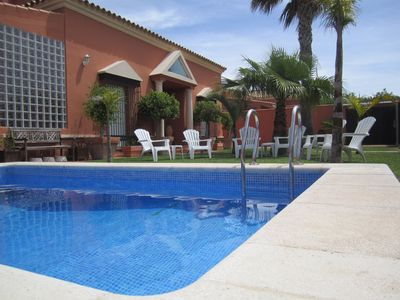 Photo for Large holiday villa in Chiclana