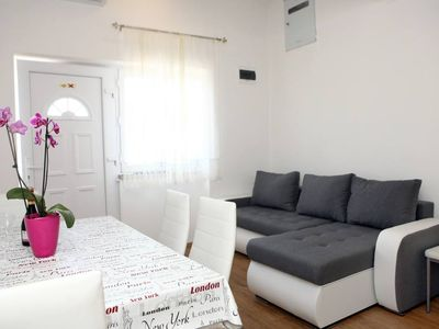 Photo for Stylish One Bedroom Apartment MK1
