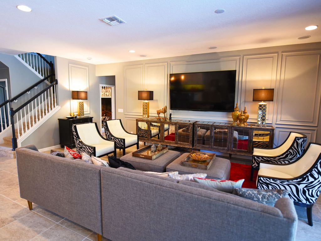 Luxury home game rooms - Luxury 7 Bedroom Resort Home Themed Rooms Including Game Of Thrones Game Room