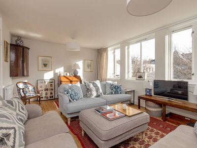 Photo for Stylish Townhouse in Cool Stockbridge