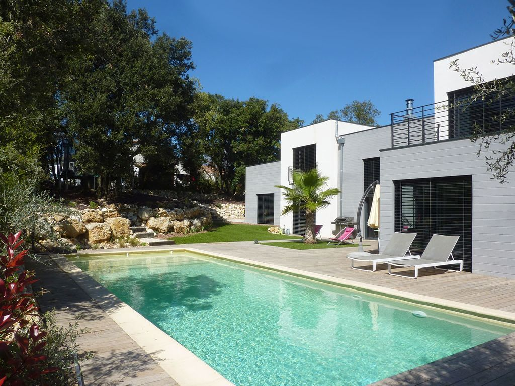 Charming New Architect Villa With Pool, Between Sea And Cevennes