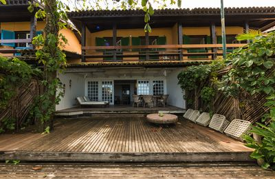 Photo for Camburi foot in the sand with swimming pool and tennis court.