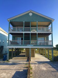 Photo for Perfect Spring & Summer Rental Located in Beautiful Gulf Shores!