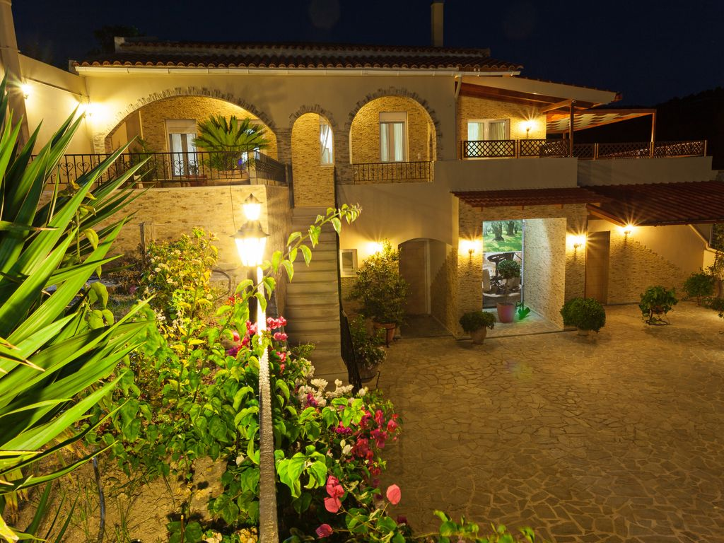 Traditional Lux Villa With Private Pool Gar... - HomeAway