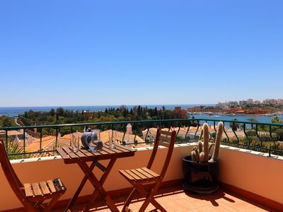 Photo for Stunning townhouse nº 41 in Ferragudo, Sea views, Air-con