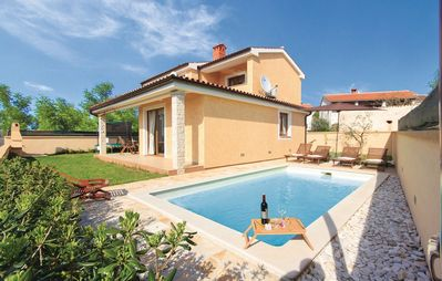 Photo for Charming luxury villa with private pool in a quiet area