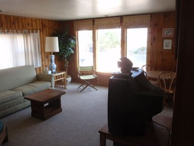 2nd Floor Duplex, 2nd from Beach, Great Area