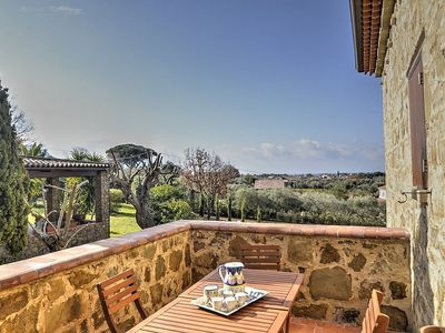 Photo for Villa delle Pigne A: A characteristic and welcoming apartment surrounded by the greenery, with Free WI-FI.