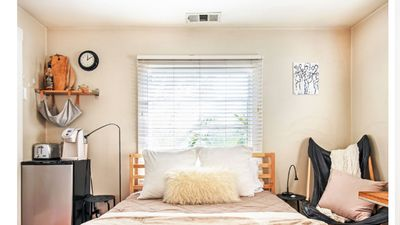 Cozy Room in House Blocks to Beach & Close to Wholefoods, 25 min from LAX
