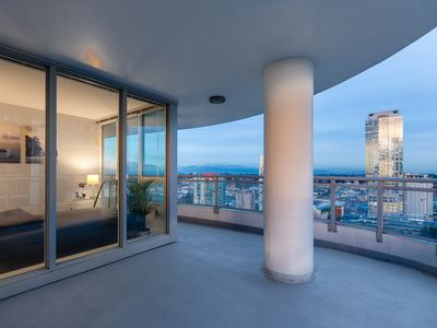 Photo for Highrise Luxury Condo with Amazing Views