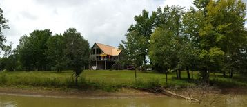Beautiful home on the Tennessee River!
