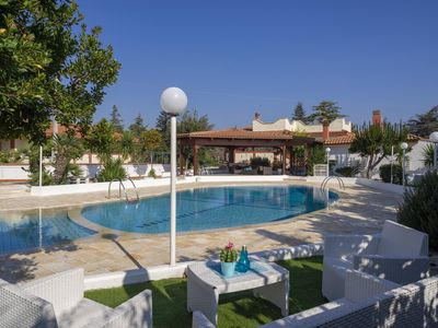 Photo for Villa with Pool for 8 guests with 4 bedrooms in Monopoli