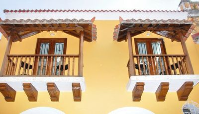 Photo for 🇨🇴 Old City 4 Bedrooms/4 Baths, Balconies, AC, Hot Water, Great Wifi! 😎