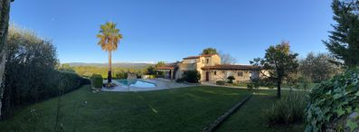 Photo for Beautiful Provencal villa in a quiet area, with magnificent views of the mountains