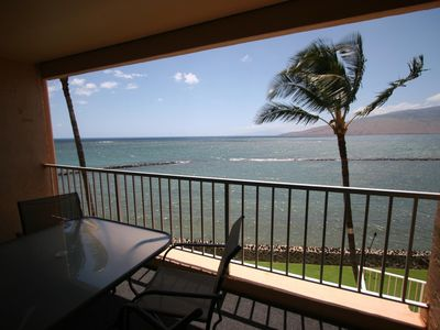 Photo for Beautiful 1 bedroom ocean front condo with a/c in Menehune Shores ,Kihei