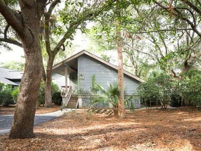 Photo for Woodland home w/ large back deck - 150 yards to the beach!