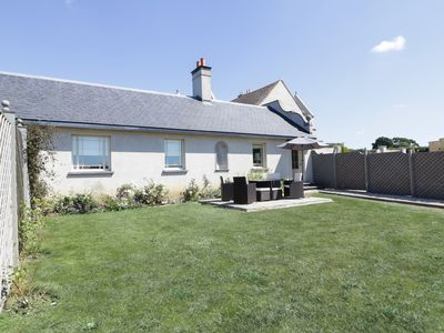Photo for MAPPOWDER COTTAGE, pet friendly in Buckland Newton, Ref 988342
