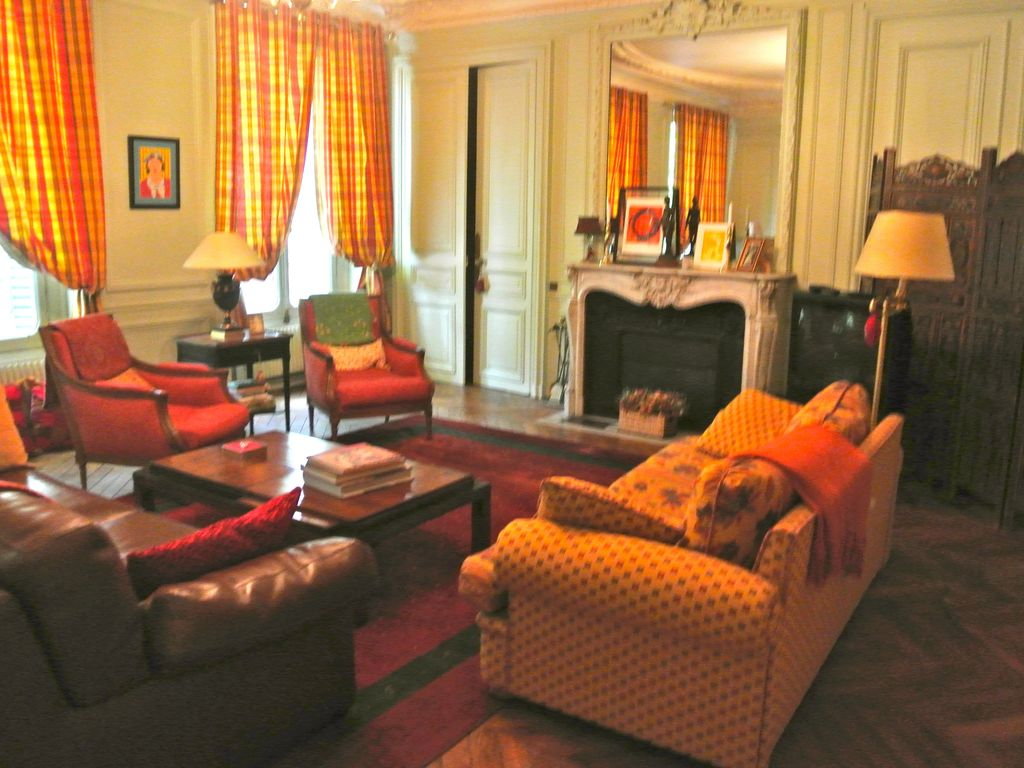 Spacious classic 1 bedroom apartment in the vrbo for Spacious one bedroom apartment