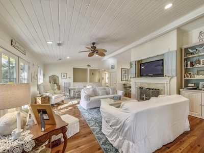 Photo for Southern Beach Living, Private Pool & Spa, 3 minute Walk to the Beach