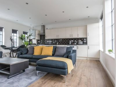 Photo for Bright and Spacious 2 Bedroom Apartment