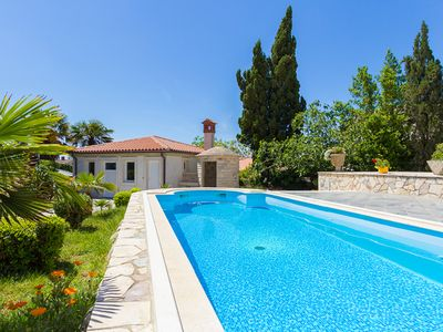 Photo for Holiday home with one bedroom, air conditioning, pool, barbecue area, kitchen for a total of 3 people