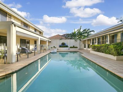 Photo for Family/Pet Friendly Home with a swimming pool in Sherwood, Brisbane.