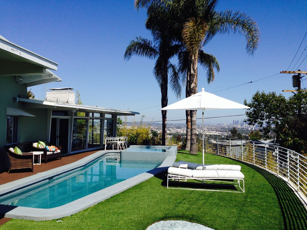 Amazing hollywood hills house salt water pool hot tub sunset sea view