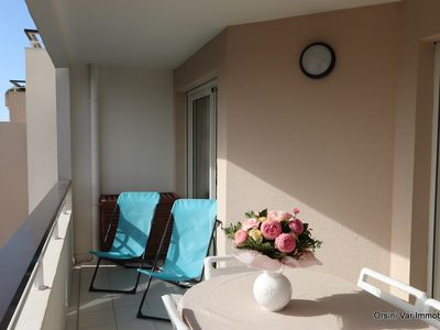 Photo for Beautiful air conditioned apartment on the seafront equipped for 6. Pool and Garage