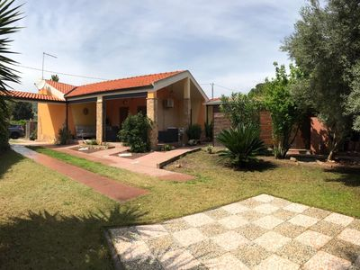 Photo for Independent villa Ca 'Maraveja with large garden 5 minutes from the sea