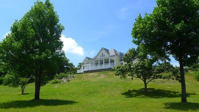 Perched at the summit of Flattop Mountain, enjoy panoramic Blue Ridge views