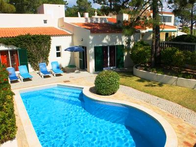 Photo for Vale do Lobo villa with sea views. Just minutes walk from the bars, restaurants and shops at the Praca. C573