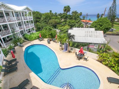 Photo for Penthouse with ocean views and pool - Lantana 4