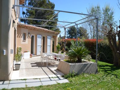 Photo for House of 120m2 with swimming pool and garden 10min from the center of Aix en Provence