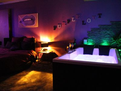 Photo for Romantic place with jacuzzi, sauna, round bed for two nights