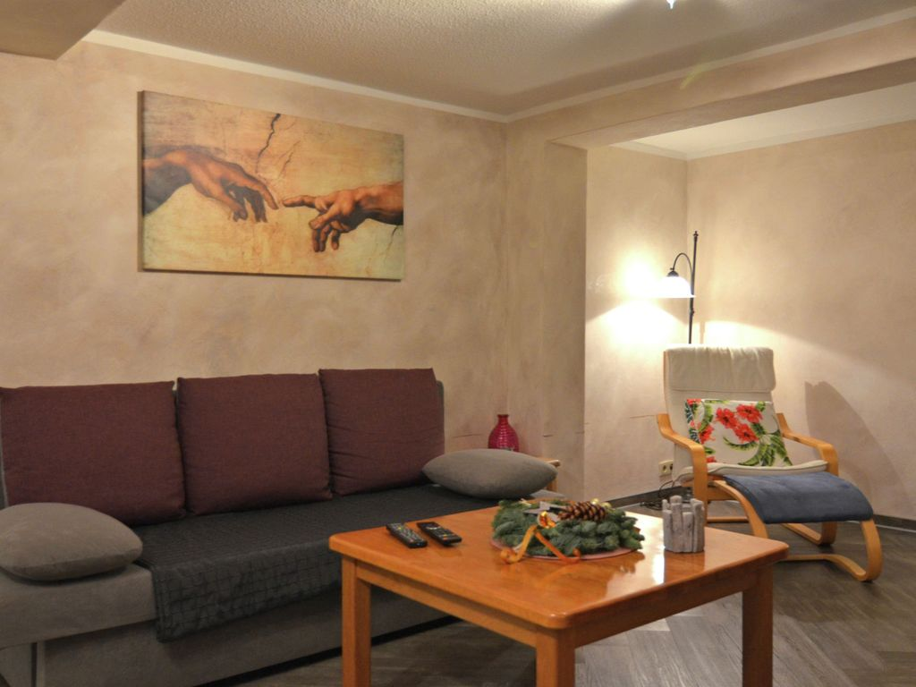 Holiday home close to Winterberg with use of the garden and fitness studio