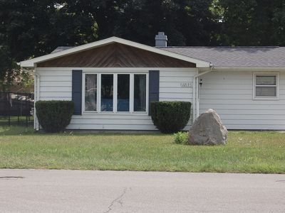 Enjoy a fun, pet-friendly home with incredible lake views at a great rate!