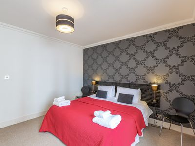 Photo for Luxury New Town Apt-quiet Location-City Centre 10 Min Walk-wifi & Parking