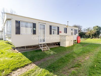 Photo for 2 bed roomed modern caravan for hire near in rural Norfolk  ref 10016E