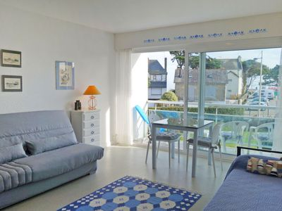 Photo for One bedroom Apartment, sleeps 2 with WiFi and Walk to Beach & Shops