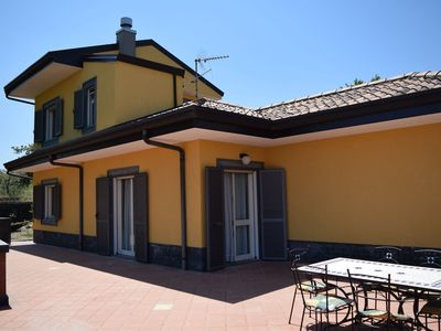 Photo for Stunning detached villa with private swimmingpool and garden at the foot of Etna