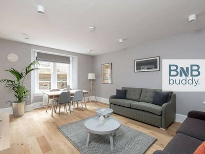 Photo for Torphichen Street 5* City Centre 2bed/2bath