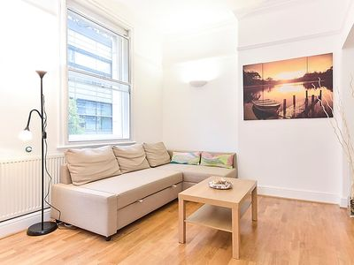 Photo for Apartment Bishopsfield in London City - 6 persons, 3 bedrooms