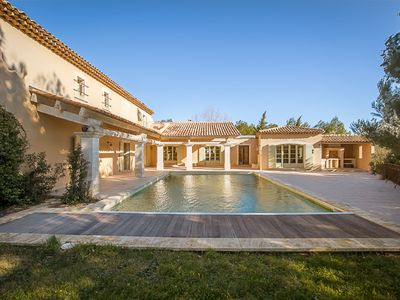 Photo for Provence, prestigious Golf of Pont Royal. 8 bedrooms 7 bathrooms