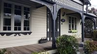 A beautifully decorated house in a quiet area, an ideal place to discover the Hunter region.