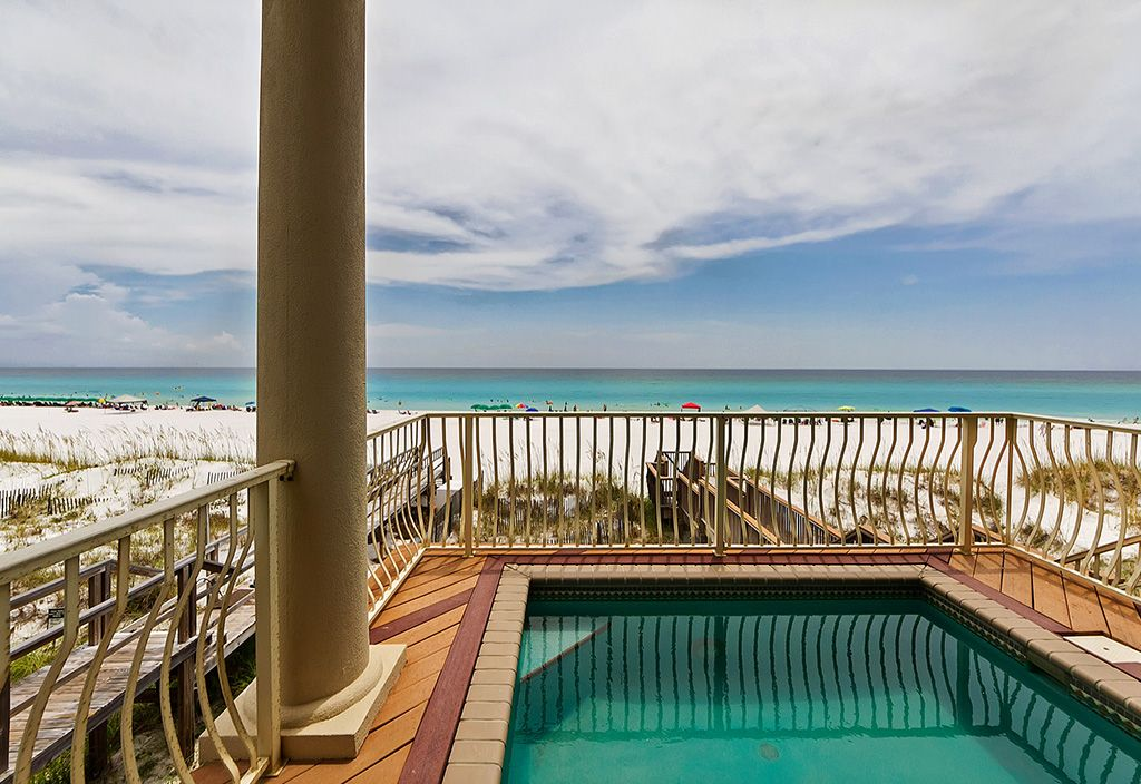 Gulf Paradise ~ Gulf Front Private Pool!