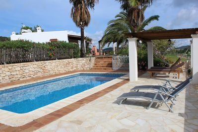 Your ibicencian villa with privat pool, bbq, chill-out at a quiet rural area